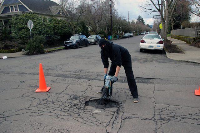 potholes-anarchists-1-640x427